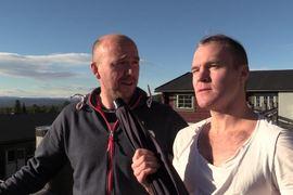 Robin Bryntesson i intervjutagen med landslagstränaren Lars Selin. FOTO: bryntes.se.