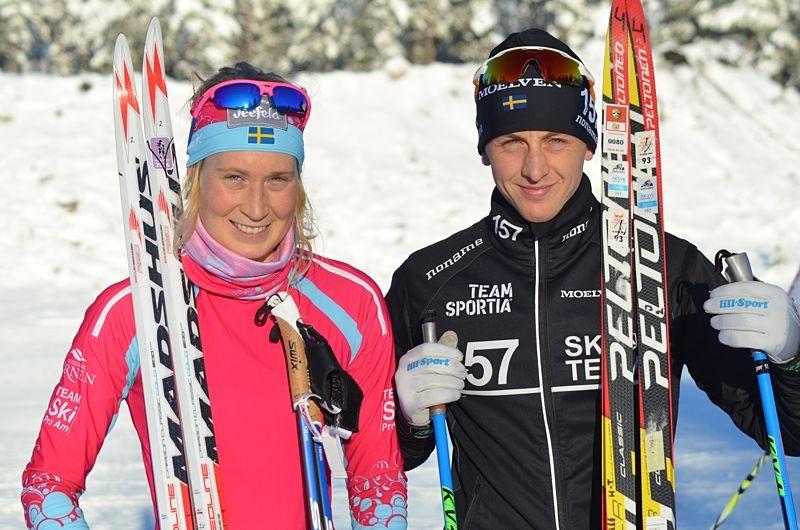 Emilia Lindstedt och Oscar Persson sken ikapp med solen efter sina segerlopp i Grönklittspremiären. FOTO: Johan Trygg/Längd.se.