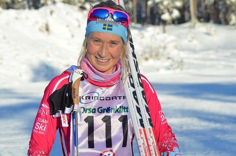 Emilia Lindstedt siktar på pallplatser i Ski Classics-loppen i vinter. Här är Emilia efter segern i Grönklittspremiären på lördagen. FOTO: Johan Trygg/Längd.se.