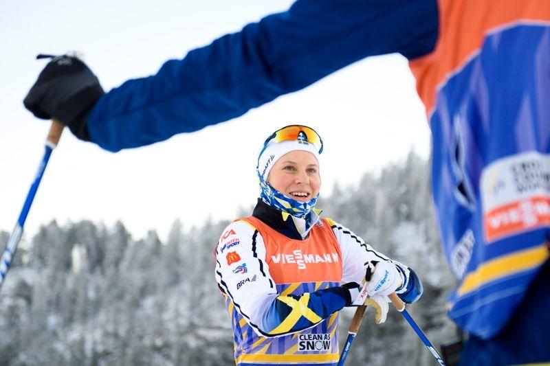 Hanna Falk under förberedelserna inför lördagens sprint i Ruka. Är Hanna starkast av de svenska tjejerna i morgon eller blir det Stina Nilsson eller Ida Ingemarsdotter? FOTO: Carl Sandin/Bildbyrån.