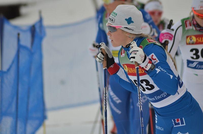 Jonna Sundling vann dagen FIS-tävling i Östersund närmast före Lina Korsgren. FOTO: Johan Trygg/Längd.se.