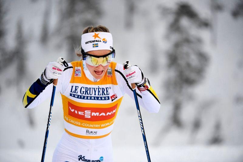 Stina Nilsson gjorde ett bra distanslopp och åkte in som sjua drygt 50 sekunder bakom Marti Björgen. FOTO: Carl Sandin/Bildbyrån.