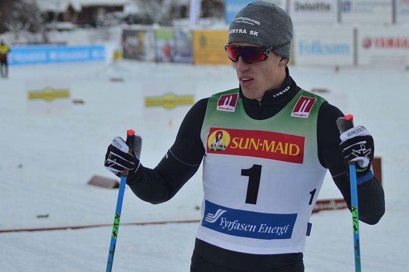 Calle Halfvarsson var snabbast i sprintprologen i Lillehammer. FOTO: Johan Trygg/Längd.se.