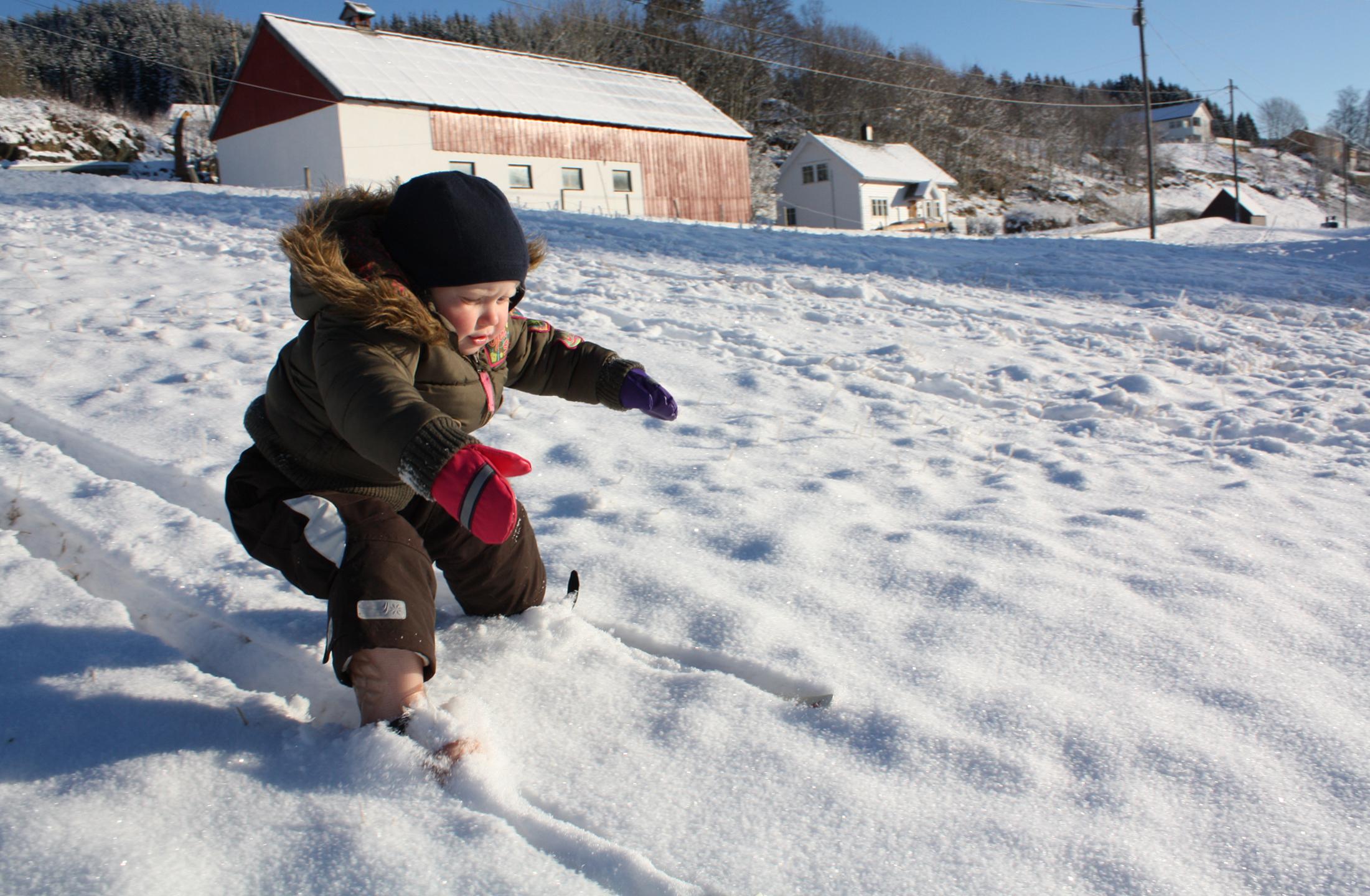 Linda Sæle Kjenes_den første skituren_Sagstadveien Meland[1].jpg