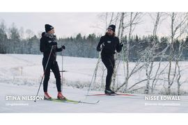 Stina Nilsson ska lära Nisse Edwall bli en bättre längdåkare.