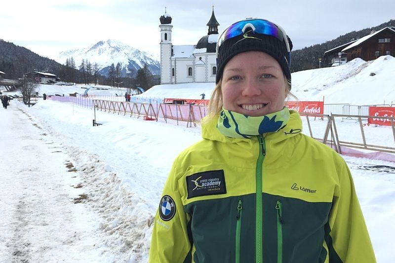 Moa Olsson trivs i Seefeld där hon jobbar som längdskidinstruktör men också tränar för en comeback i tävlingsspåren. FOTO: Johan Trygg/Längd.se.