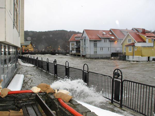 Flom ved Lundeåne bo- og servicesenter
