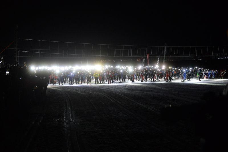 På fredag är det dags för andra upplagan av Nattvasan. 1500 tvåmannalag står på start i Berga by. FOTO: Vasaloppet/Nisse Schmidt.