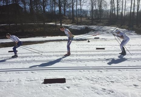 Moberg, Westman och Svärd strax efter start i solskenet i Borås. FOTO: Fredrik Larsson.
