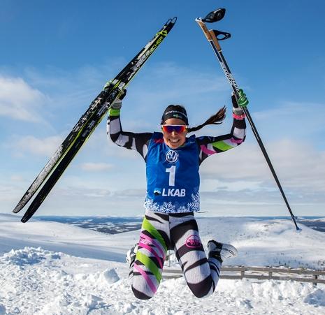 Segerhopp på Dundrets topp av Haag. FOTO: Yngve Johansson, Imega Promotion.