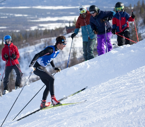 Hellner klättrar mot seger. FOTO: Yngve Johansson, Imega Promotion.