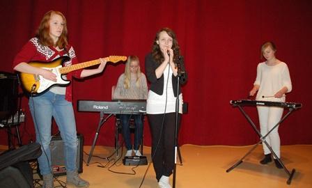 F.v. Maja Reiss, Helene Zahlsen, Hanna Thuv og Julie Meisfjord