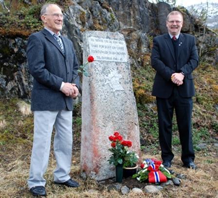 F.v. Håkon Skar og ordfører Lars Evjenth