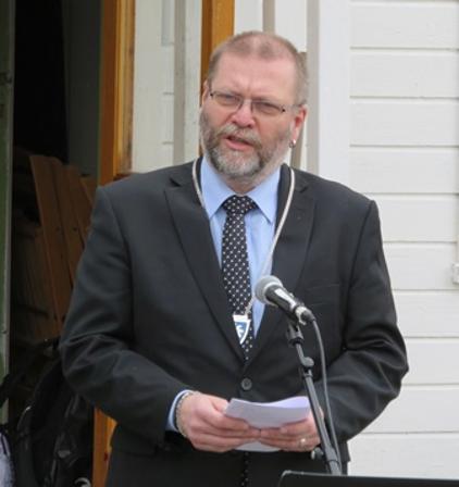 Ordfører Lars Evjenth holdt tale på Helland