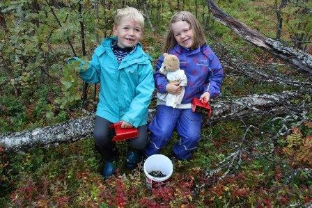 Glade barn i Barnas Naturklubb