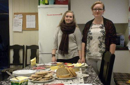 F.v. Emilie Aspass og Maria Myran