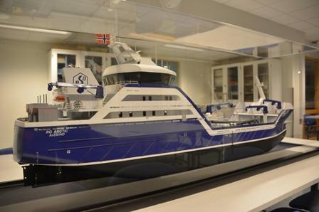 Modellbåten Ro Arctic