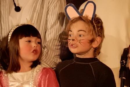 To av de unge aktørene