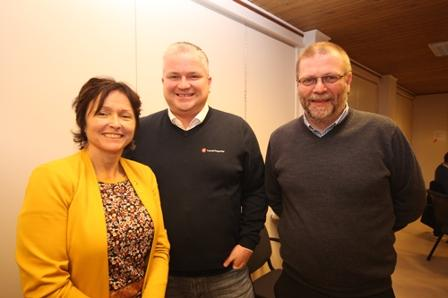 Unni Giftstad, Tom Cato Karlsen og Lars Evjenth på pressekonferanse 18. desember