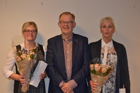 F.v. Karin Karlsen, rådmann Ørjan Higraff og Gunnbjørg Olufsen