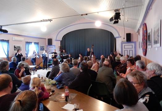 Konsert i ungdomshuset på Strøksnes