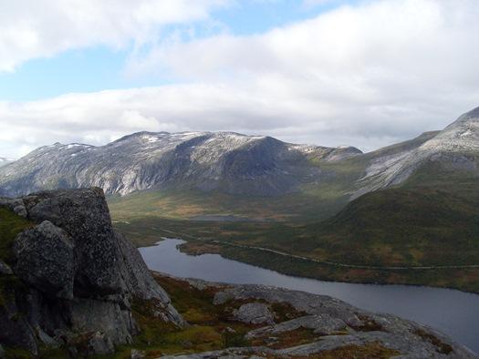 Utsikt mot Tennvatn og Kjerringvatn