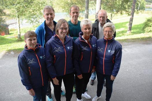Bak f.v. Steinar Strand, Jarand Gjestland og Jan Arne Johansen, foran f.v. Leikny Ørnes, Ingunn Dalhaug, Siv Helskog og Unni Storhaug