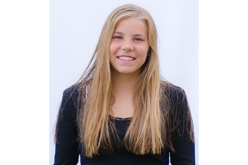 Johanna Hagström har mottagit 2018 års stipendium ur Jim Åhls minnesfond.