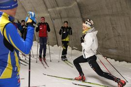 Stina Nilsson började sin skidkarriär på Torsby sommarskidskola. Sedan valde hon att gå gymnasium på orten. Nu är hon ledare på sommarskidskolan. FOTO: Leif Skogsberg.