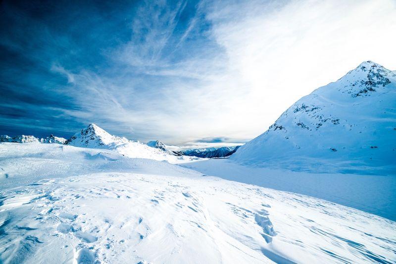 Landskapsbilde, vinter, snø og sol