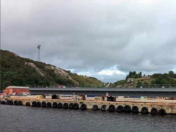 Bro på brygge