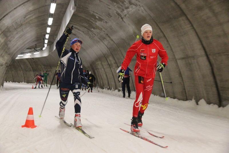 Två pass i Torsby skidtunnel finns på programmet under träningshelgen med Torsby idrottsgymnasium. FOTO: Leif Skogsberg.