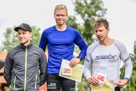 Herrpallen: Ronny Wedin, Alfred Buskqvist och Jonas Böhlmark. FOTO: UVK-rullen.
