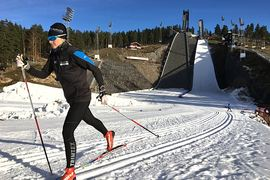 Stressa inte på säsongens första träningspass på snö. Åk lugnt och fokusera på att få in skidvanan. FOTO: Tynell Activity.