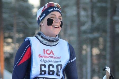 Sofie Oskarsson SK Leksands segrade i D 17-20 på Bruksvallsloppet 5 kilometer skejt. FOTO: Längd.se.