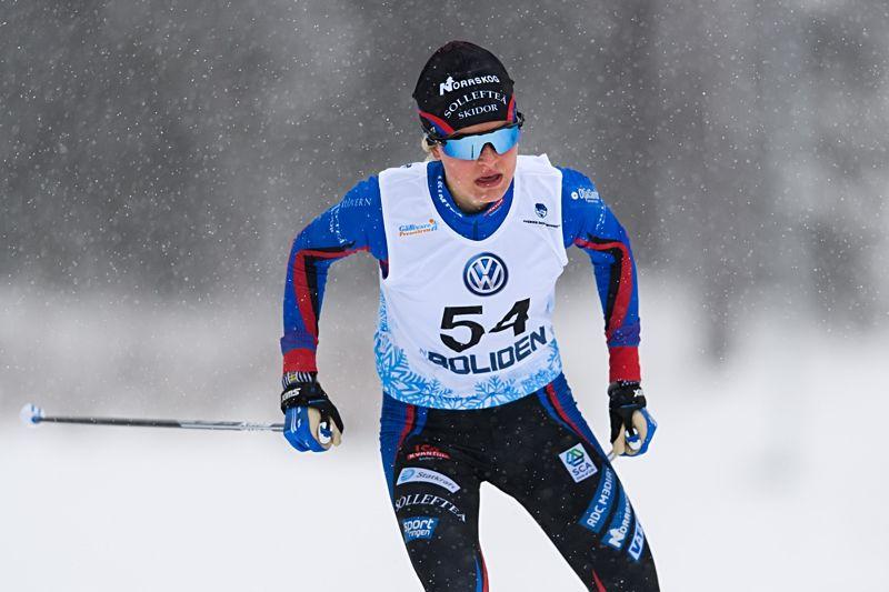 Frida Karlsson slog till med en rekordstor segermarginal på 4.25 när hon vann masstarten över 15 kilometer i på JSM i Jönköping. FOTO: Carl Sandin/Bildbyrån.