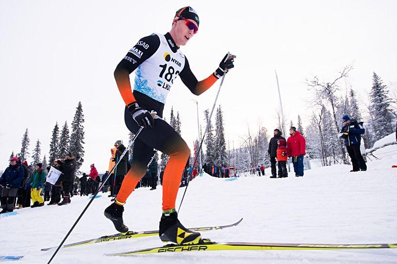OS-åkaren Oskar Svensson åker Volkswagen cup i Örnsköldsvik i helgen. FOTO: Carl Sandin/Bildbyrån.