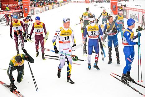 En besviken Calle Halfvarsson lämnar målområdet efter kaosloppet. FOTO: Jon Olav Nesvold/Bildbyrån.