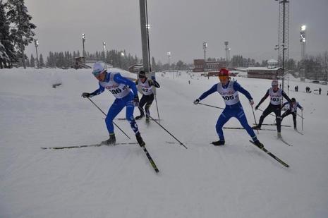 Det var tight i H 17-20. Här drar Jacob Nystedt före Gustaf Berglund, Leo Johansson och William Poromaa. FOTO: Östersunds SK.