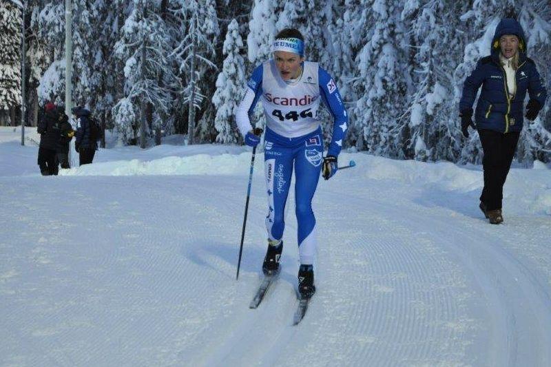 Moa Lundgren på väg mot andra raka segern i Östersund. FOTO: Östersunds SK.
