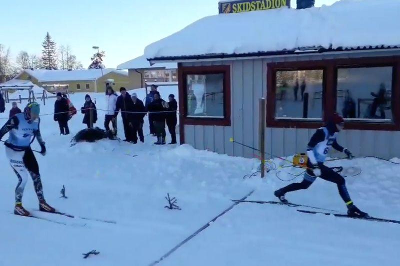 Lina Korsgren tog seger i Föllingeloppet tätt före Sara Lindborg.