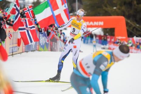 Daniel Rickardsson i mål som åtta strax bakom fransmannen Gaillard. FOTO: Jon Olav Nesvold/Bildbyrån.