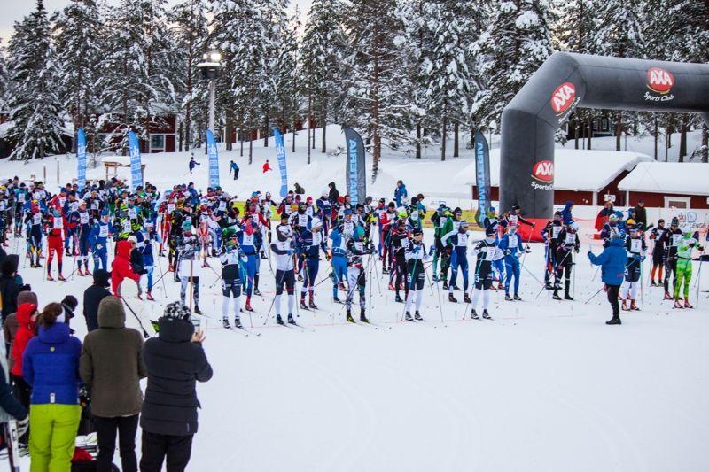 Starten för Axa Ski Marathon i Grönklitt i söndags. FOTO: Björn Kauppi.