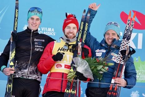 Andreas Holmberg tog en fin andraplats. Här är han med segraren Tord Asle Gjerdalen och trean Ilya Chernousov. FOTO: Magnus Östh.