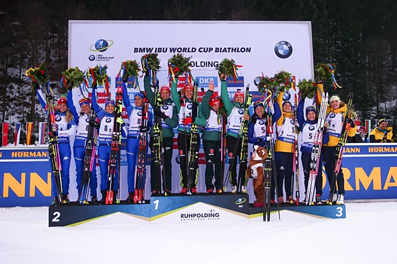 Det blev en ny fin tredjeplats i världscupen för Sverige genom Linn Persson, Mona Brorsson, Anna Magnusson och Hanna Öberg. FOTO. Felix Roittner/Gepa Pictures.