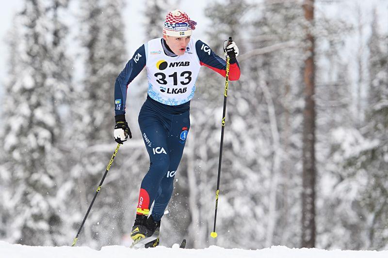Arrangörsklubbens Ossian Rosenberg åkte hem sprinten i H 19-20 vid Scandic cup i Åsarna på söndag. FOTO: Carl Sandin/Bildbyrån.