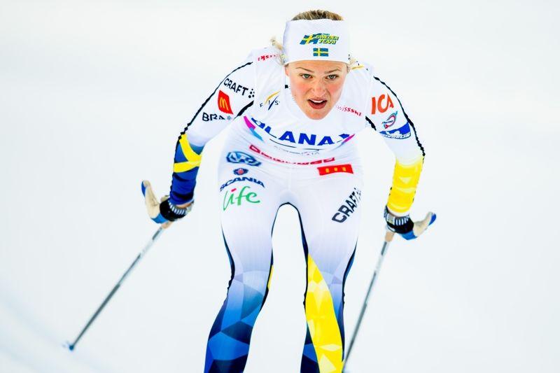 Frida Karlsson öppnade friskt på JVM:s fem kilometer klassiskt. Till slut fick hon nöja sig med delad sjunde plats. FOTO: Vegard Wivestad Grött/Bildbyrån.