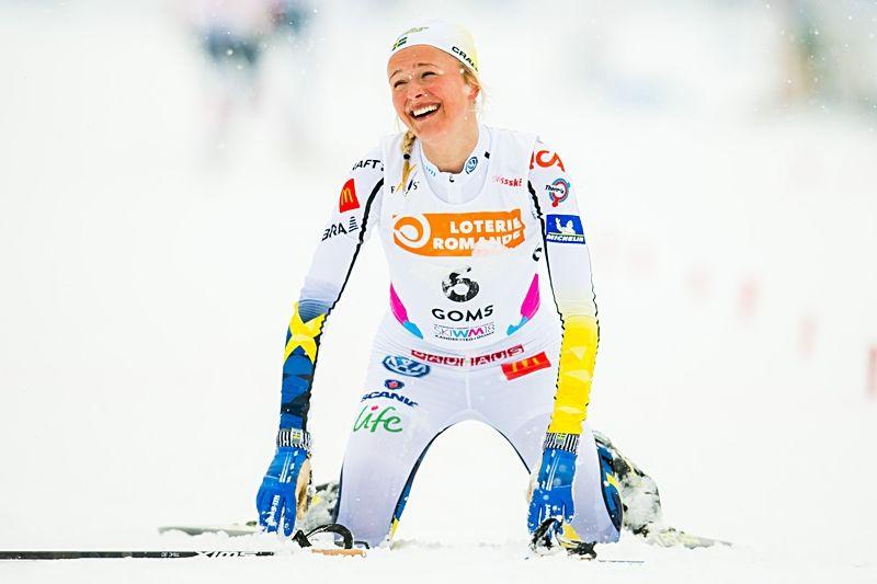 Frida Karlsson åkte hem guld i stor stil på JVM:s skiathlon i Schweiz. FOTO: Vegard Wivestad Grött/Bildbyrån.