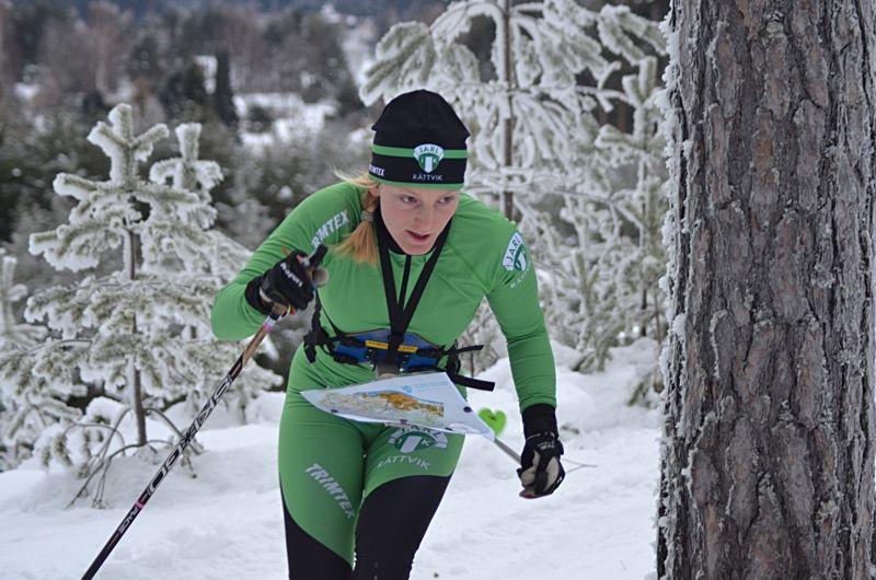 Linda Lindkvist vann jaktstarten vid SM i skidorientering under SM-veckan i Skellefteå. FOTO: Johan Trygg/Längd.se.