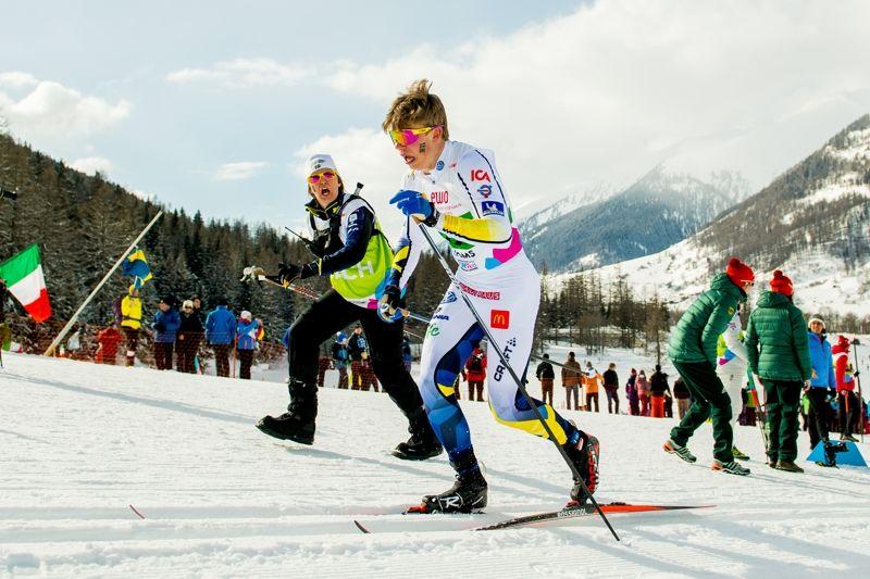 Eric Rosjö kämpar på under JVM-stafetten i Schweiz där Sverige till slut blev sjunde lag. FOTO: Vegard Wivestad Grött/Bildbyrån.